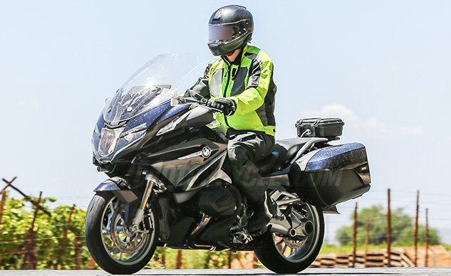 030718 2019 BMW R1200RT Facelift f