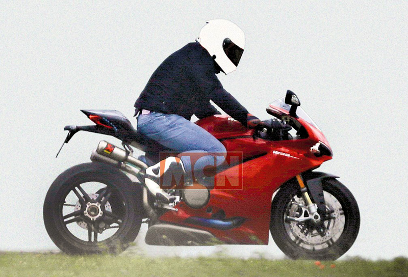 Ducati 1299 Panigale 2017 spy pic