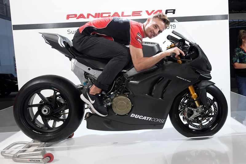 ducati panigale v4 rs19 1