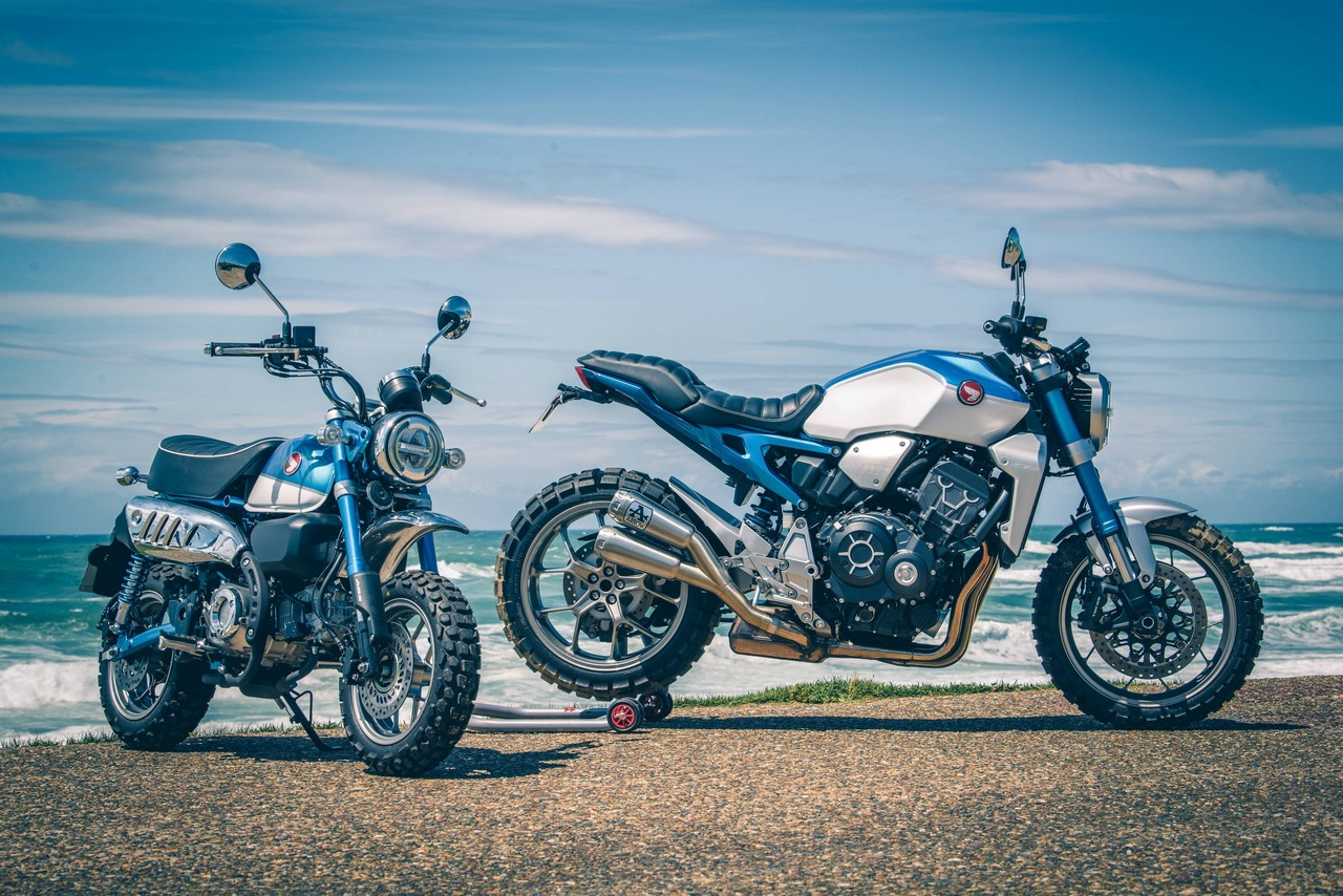 183745 Honda Monkey 1000R and Blue Monkey