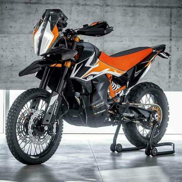 KTM 790 Adventure R 2018 - Teaser video!