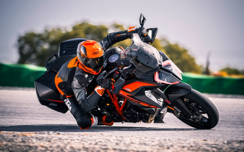 KTM 1290 Super Duke GT 2019 - Intermot 2018