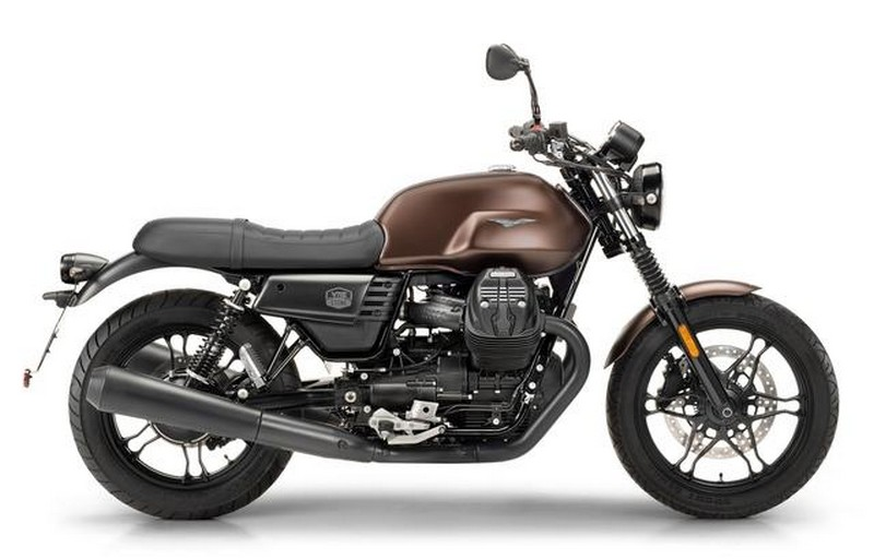 Moto Guzzi V7 III Stone Night Pack 2019 – EICMA