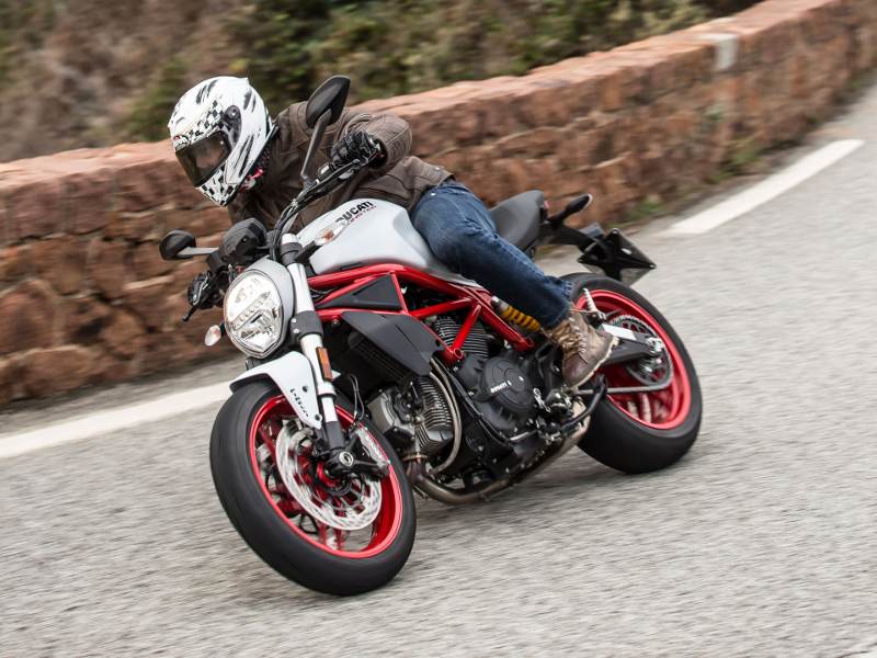 TEST - Ducati Monster 797 2017 - Αποστολή στη Γαλλία