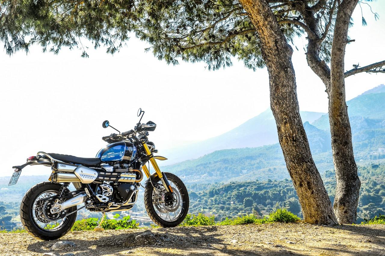 triumph_scrambler_1200_xe_2019_bikeit_38
