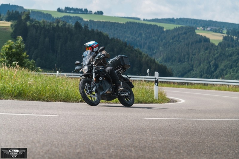 Αποστολή – ZERO Motorcycles DSR Black Forest