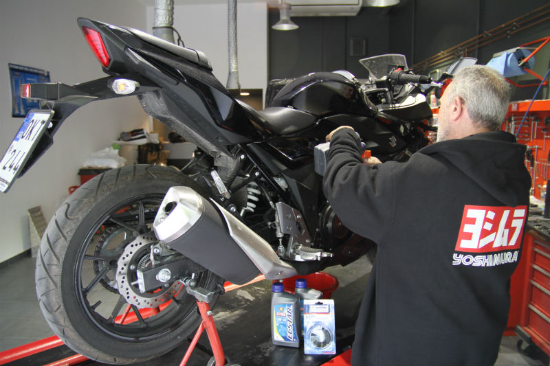 Long Term Test - Suzuki GSX-250R - 1o Service