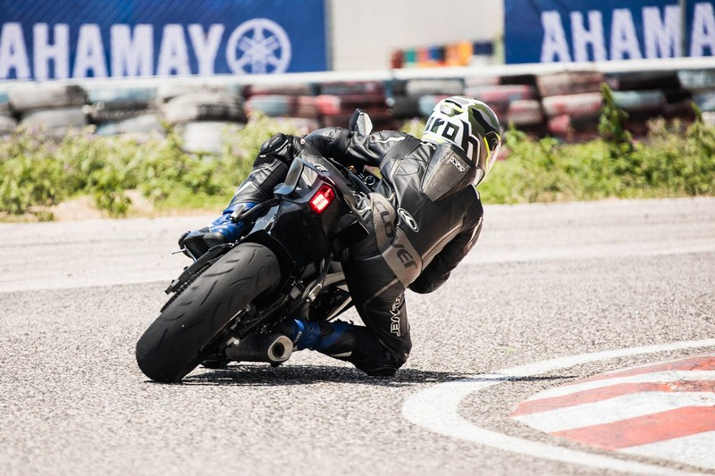 yzf r6 action 2017 11