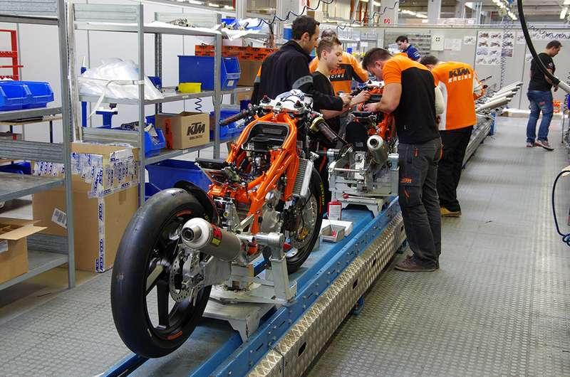 472e5831e78 Τεχνικό - Κατασκευάζοντας μία αγωνιστική KTM RC 250R - Bikeit.gr ...