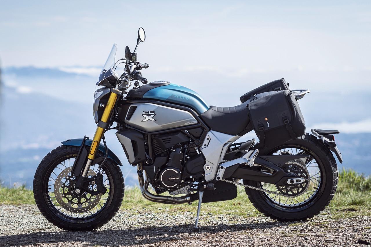Ficha y Fotos de la moto CF Moto 700 CL-X 2021