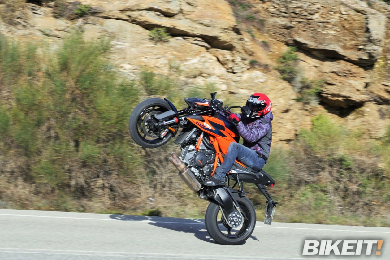 Video - KTM 1290 Super Duke R - Dyno Test