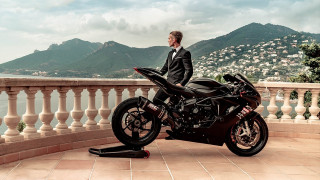 MV Agusta: Back in Black - stunt video