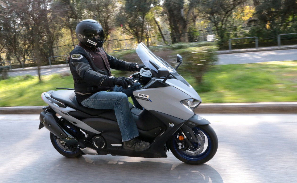 VIDEO TEST - Yamaha TMAX 560 2020
