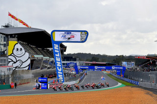 MotoGP – Η Michelin και ο Petrucci έδωσαν μαθήματα στη βρεγμένη πίστα του Le Mans