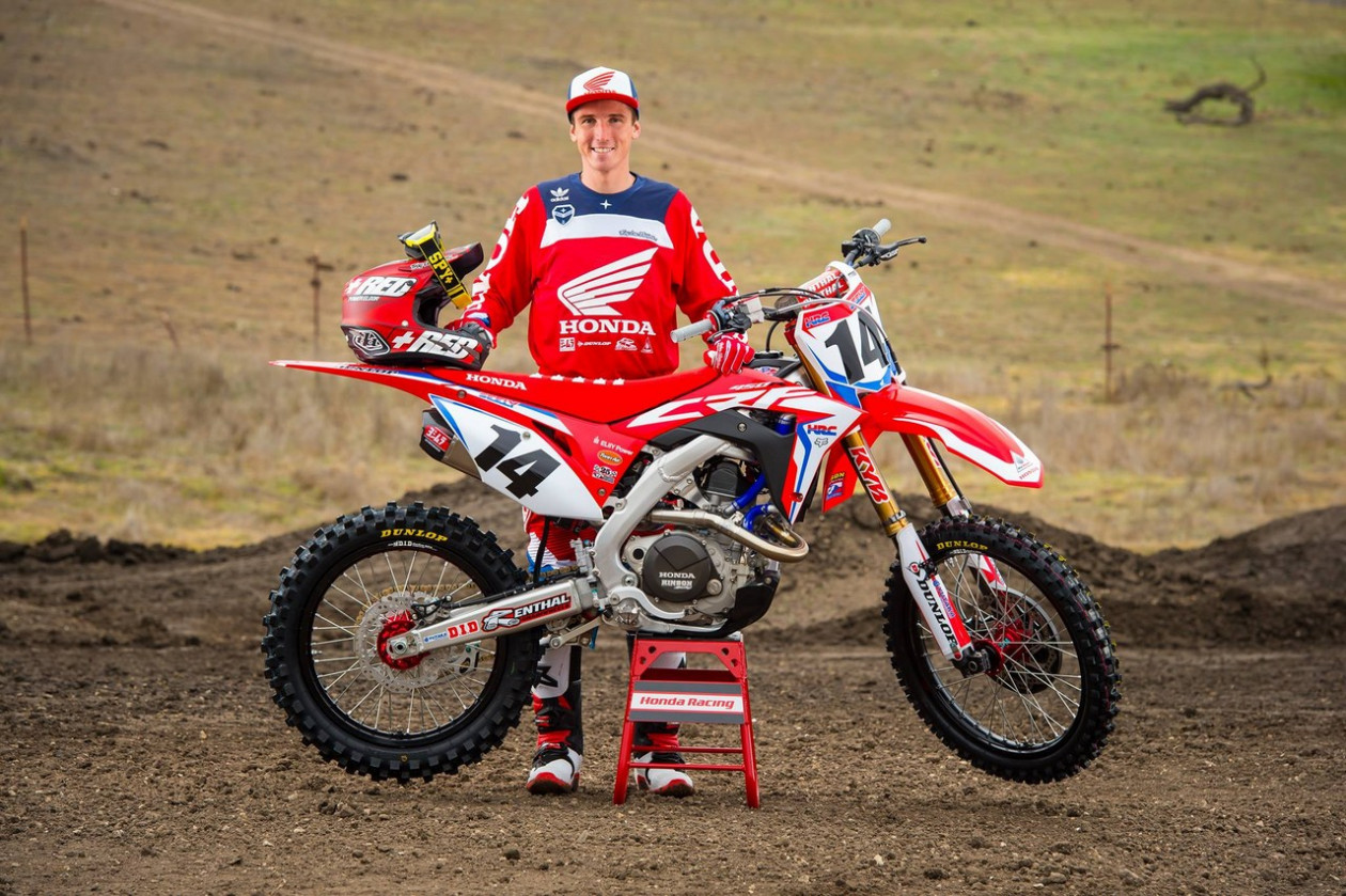 Cole Seely - Αποσύρεται από τους αγώνες