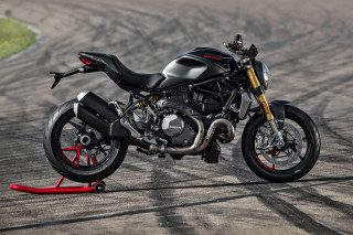 Ducati Monster 1200 S Black on Black